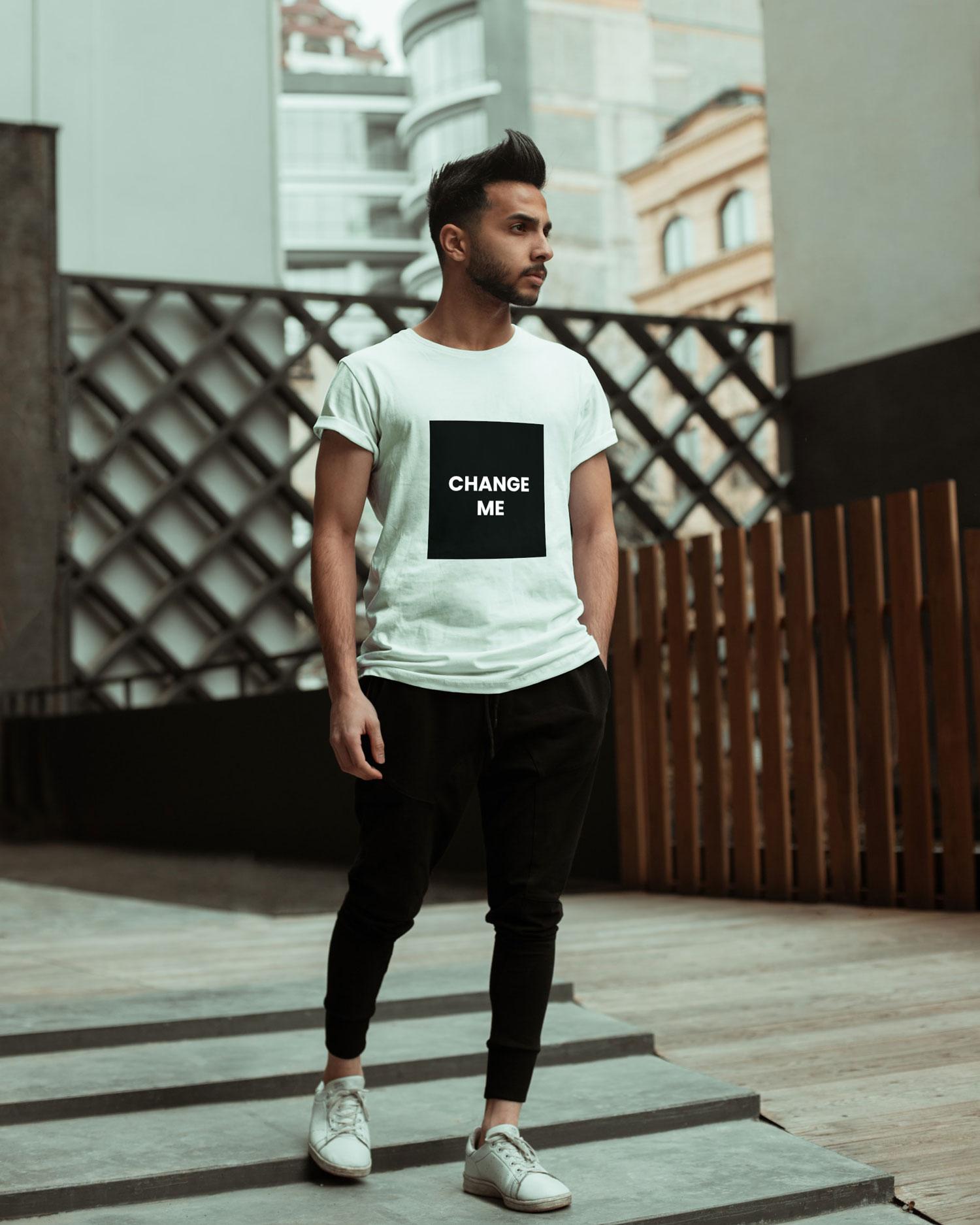 Model T-shirt PSD Mockup